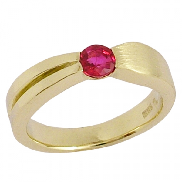 Ring 14 kt. gold ruby